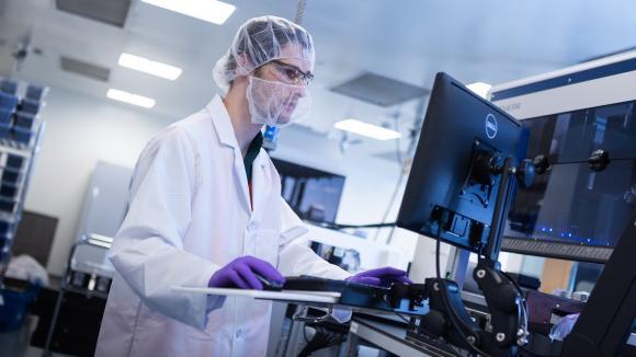 Moderna wystąpiła o zezwolenie FDA i EMA na użycie szczepionki na koronawirusa