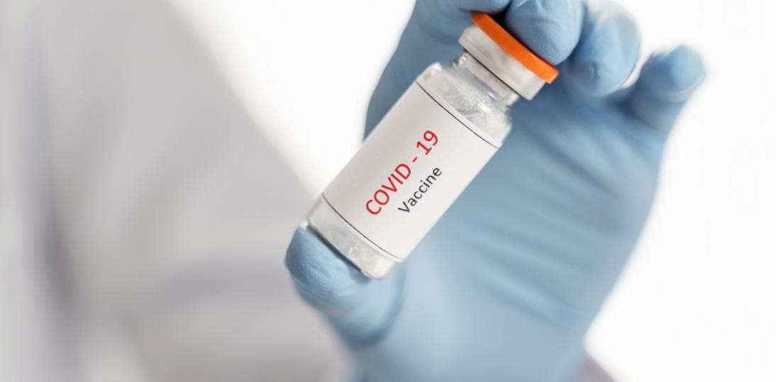Szczepionki są na razie jedyną skuteczną bronią przed pandemią