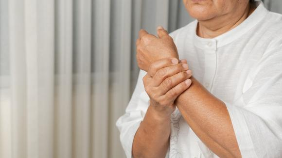 Co czwarty Polak zmaga się z chorobami reumatycznymi, które doprowadzają do niepełnosprawności