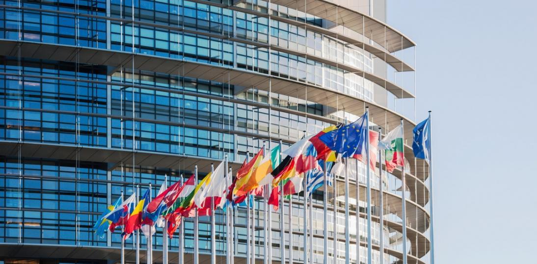 Parlament Europejski przyjął rezolucję wzywającą do tymczasowego uchylenia patentów na szczepionki przeciw Covid-19