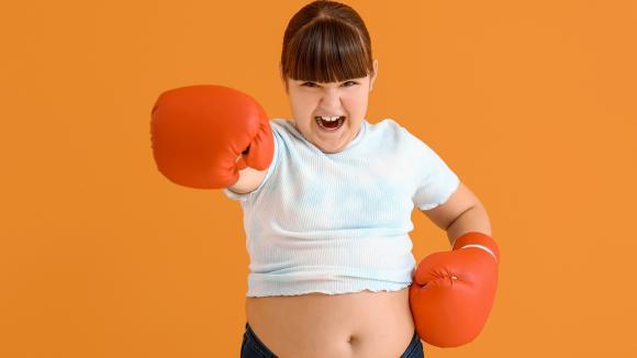 Przełom w leczeniu otyłości u młodzieży w wieku 12-17 lat - pierwsza terapia zarejestrowana w Unii Europejskiej