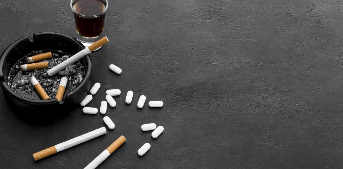"""PARPA: młodzież najczęściej sięga po alkohol, spada natomiast popularność """"dopalaczy"""""""