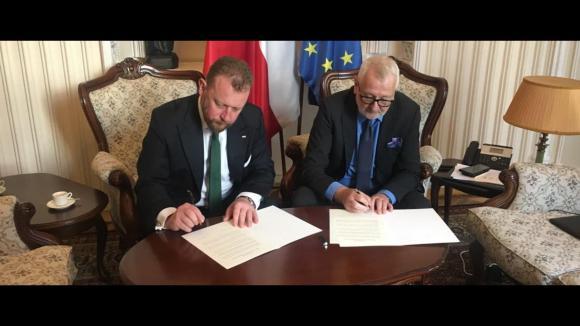 Minister Zdrowia oraz Prezes Naczelnej Rady Lekarskiej idą na wojnę z antyszczepionkowcami