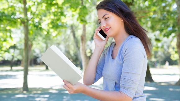 Telekonsultacja medyczna na wakacjach? 3 zalety wizyty zdalnej według Polek