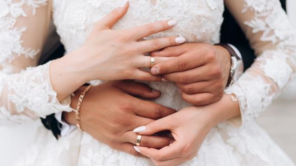 W aktualnej sytuacji zdrowotnej w kraju co czwarty Polak nie przyjąłby zaproszenia na ślub i wesele