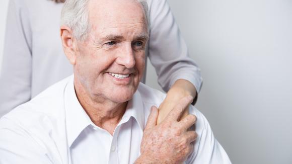 Jak skutecznie chronić seniorów przed chorobami zakaźnymi w dobie pandemii COVID-19?